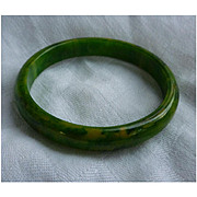 Green Yellow Swirl Bakelite Bangle Bracelet