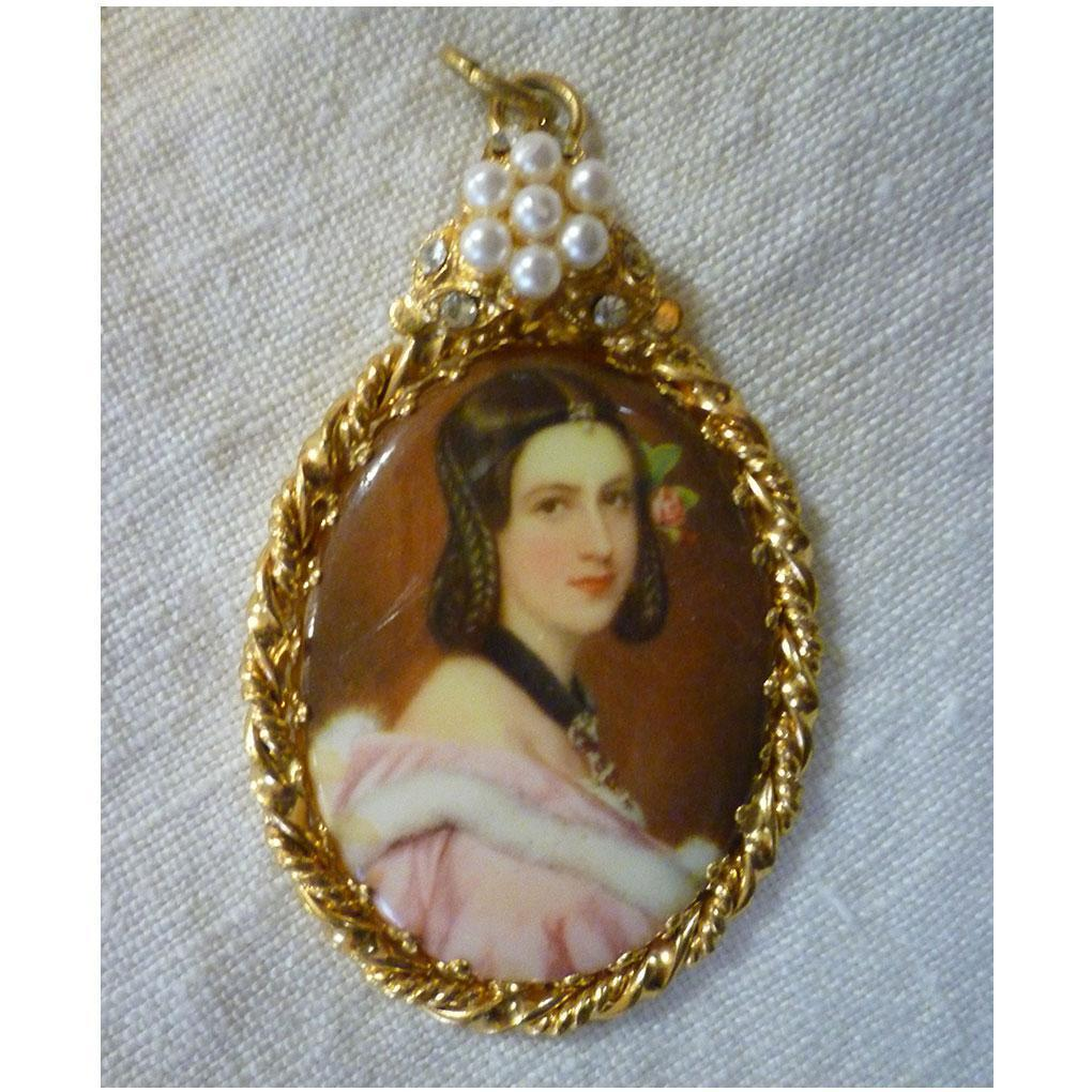 Lovely Lady Portrait with Faux Seed Pearls and Rhinestones Oval Pendant