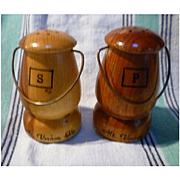 Wooden Mt Vernon Souvenir Salt and Pepper Shakers Set