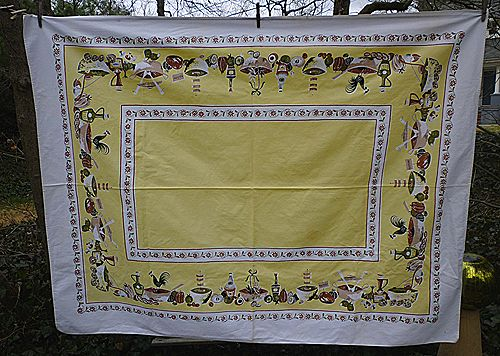 Salad Bowls Rooster Yellow Center Vintage 1950's Print Tablecloth