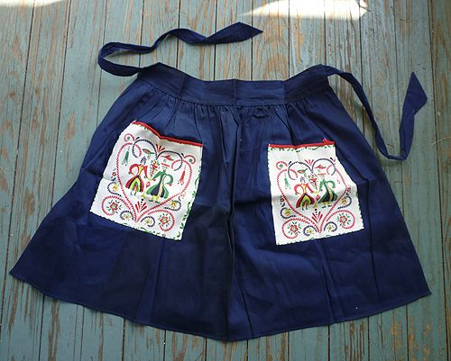 Navy Blue with Penn Dutch Print Pockets Vintage Apron