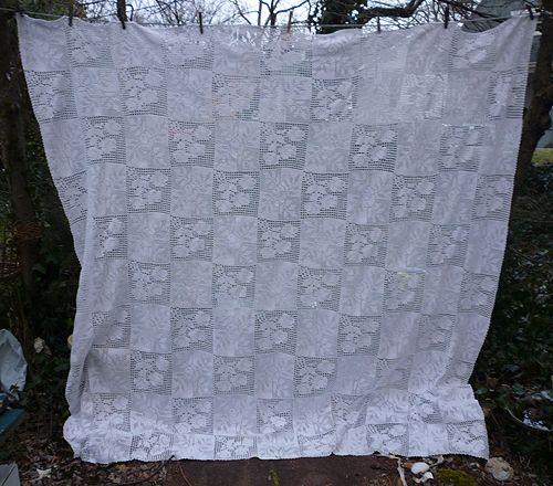 Romantic Roses Quilt Blocks Pattern White Crochet Bedspread from ... : romantic quilt patterns - Adamdwight.com