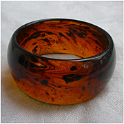 Deep Rootbeer Swirl Lucite Chunky Bangle Bracelet