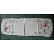 Embroidered Roses Crochet Lace Edging Runner