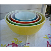 Excellent Pyrex Primary Colors Nested Mixing Bowl Set