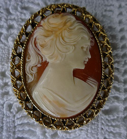 Custom Cameo Resin Pins Diy: Lovely Lady Large Resin Cameo Brooch Repousse Frame From