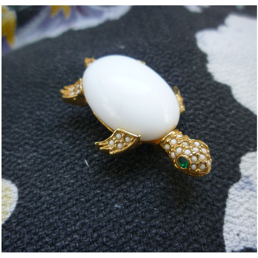 White Cabochon Green Rhinestone Eyes Faux Seed Pearls De Nicola Turtle Brooch
