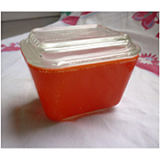 Pyrex Primary Colors Refrigerator Leftovers Red 1 ½ Cup Dish and Lid Set