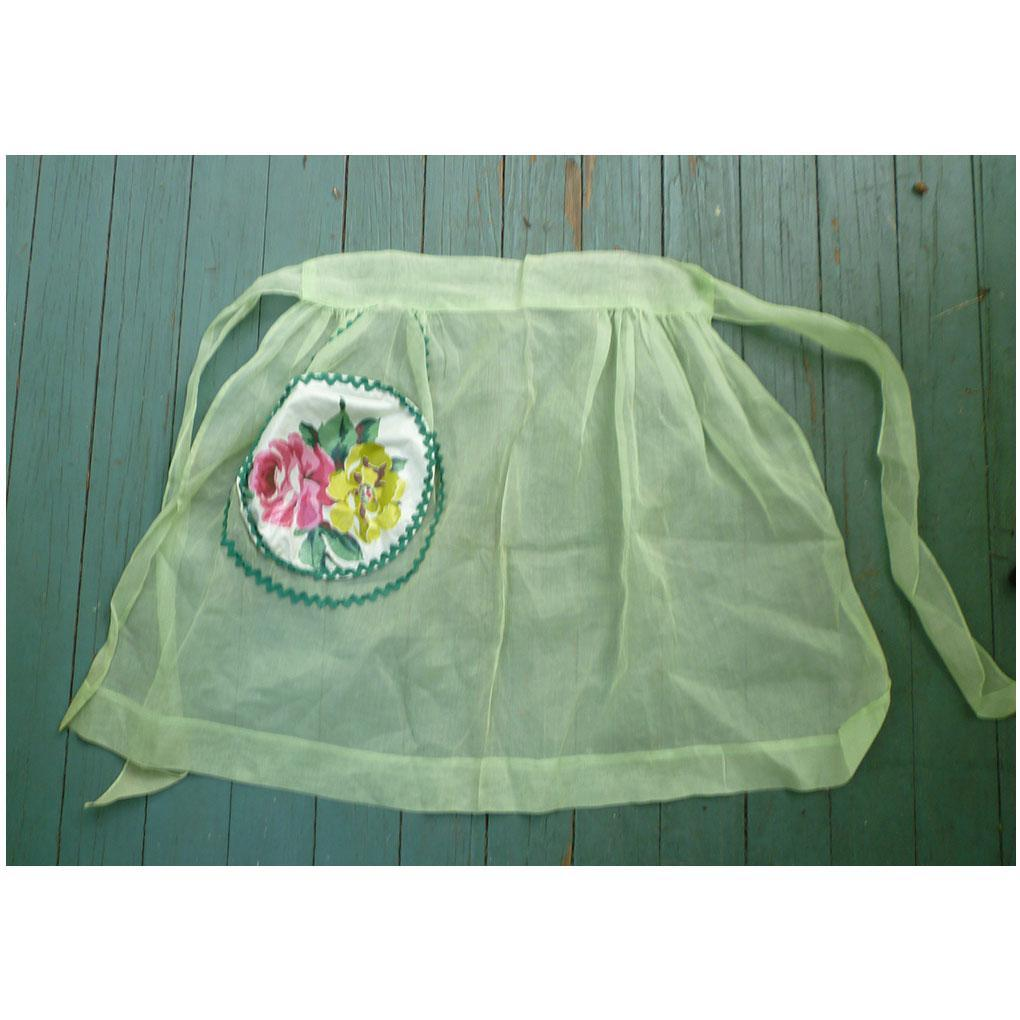 Pretty Roses Applique on Green Sheer Vintage Apron