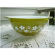 Pyrex Crazy Daisy Cinderella 1 ½ Qt Mixing Bowl 422