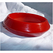 Cherry Red Chunky Deco Bakelite Bangle Bracelet