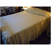 White Rings on Pale Apricot Cabincrafts Vintage Chenille Bedspread With Skirts Queen