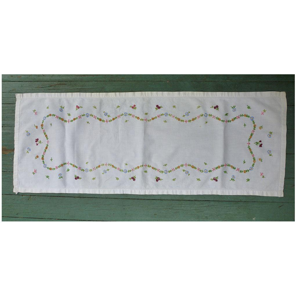 Embroidered Dainty Garland of Flowers White Runner
