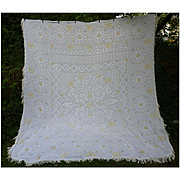 Wonderful White and Yellow Daisies Vintage Chenille Bedspread Queen
