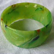 Fabulous Swirl End of the Day Domed Lucite Bangle