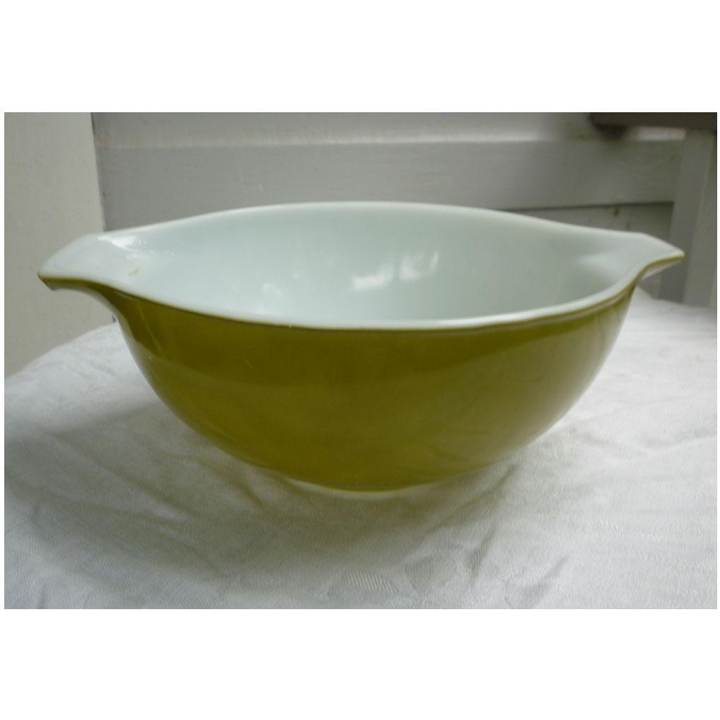 Pyrex Verde Cinderella Bowl 443 2 ½ Qts