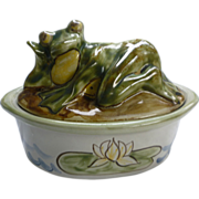 Whimsical Louisville Stoneware Covered Casserole with Frog on Lid