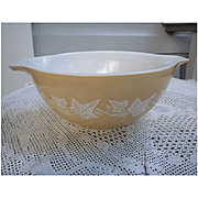Sandalwood Pyrex Cinderella Mixing Bowl 442 1 ½ Quart
