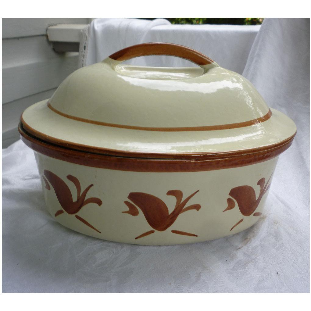 Vintage Husqvarna Oval 5 Qt. Dutch Oven in Cream and Brown