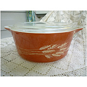 Pyrex Cinderella Autumn Harvest 2 ½ Quart  Casserole Dish with Lid. 475-B