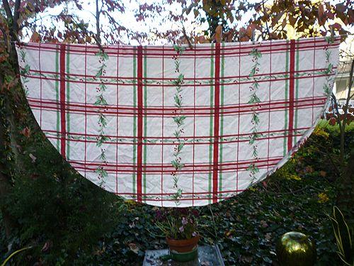 Lenox Christmas Plaid Holly Oval Print Tablecloth