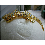 Glittering Rhinestones Articulated Lizard Over The Shoulder Brooch