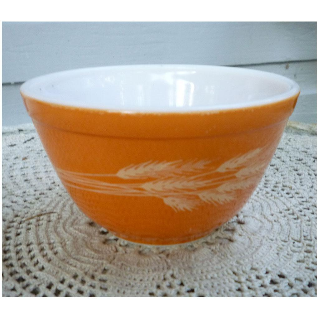 Pyrex Autumn Harvest Pattern Beaded Edge Mixing Bowl 401