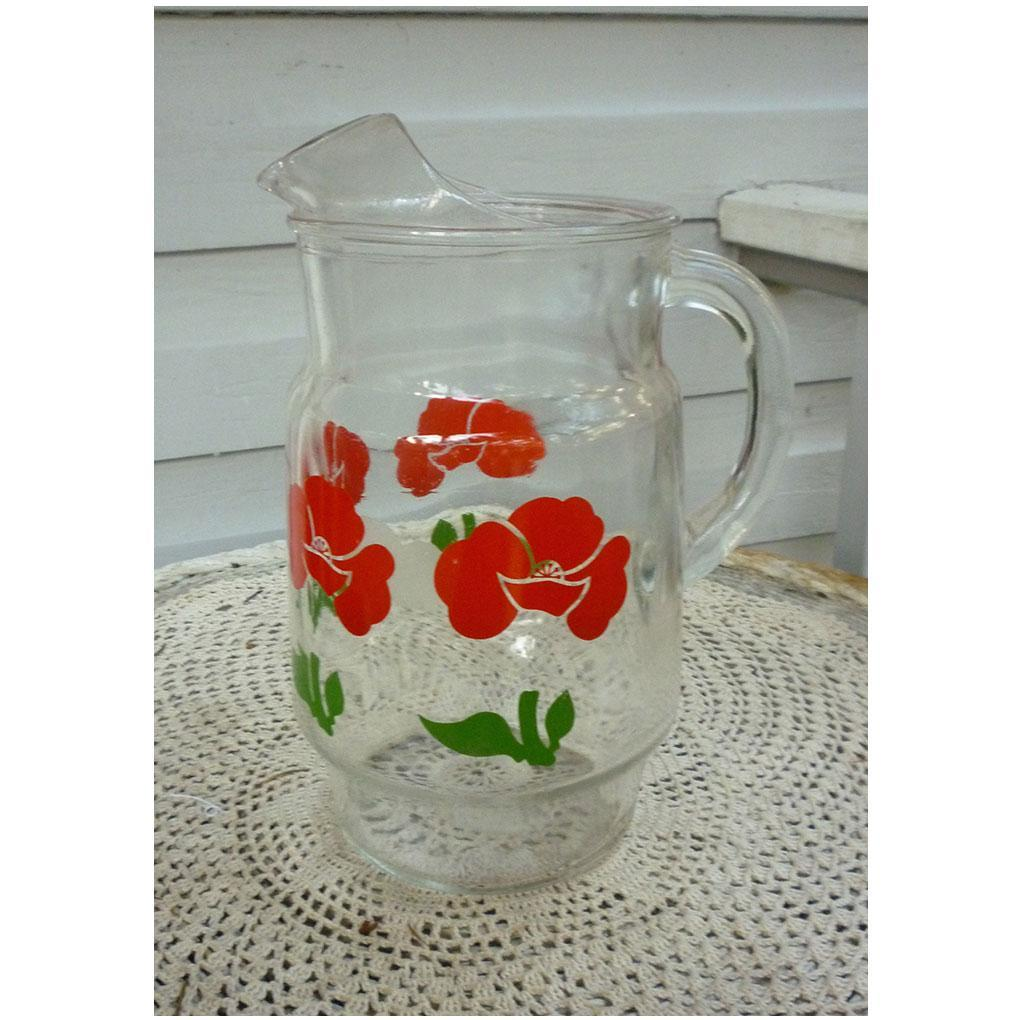 Red Roses Green Leaves Ice Tea Lemonade Pitcher with Ice Lip