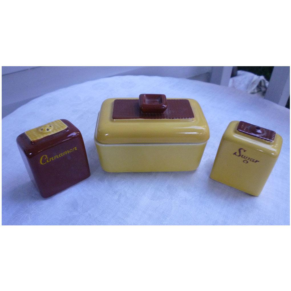 Brown and Yellow Sugar and Cinnamon Shakers and Condiment Set