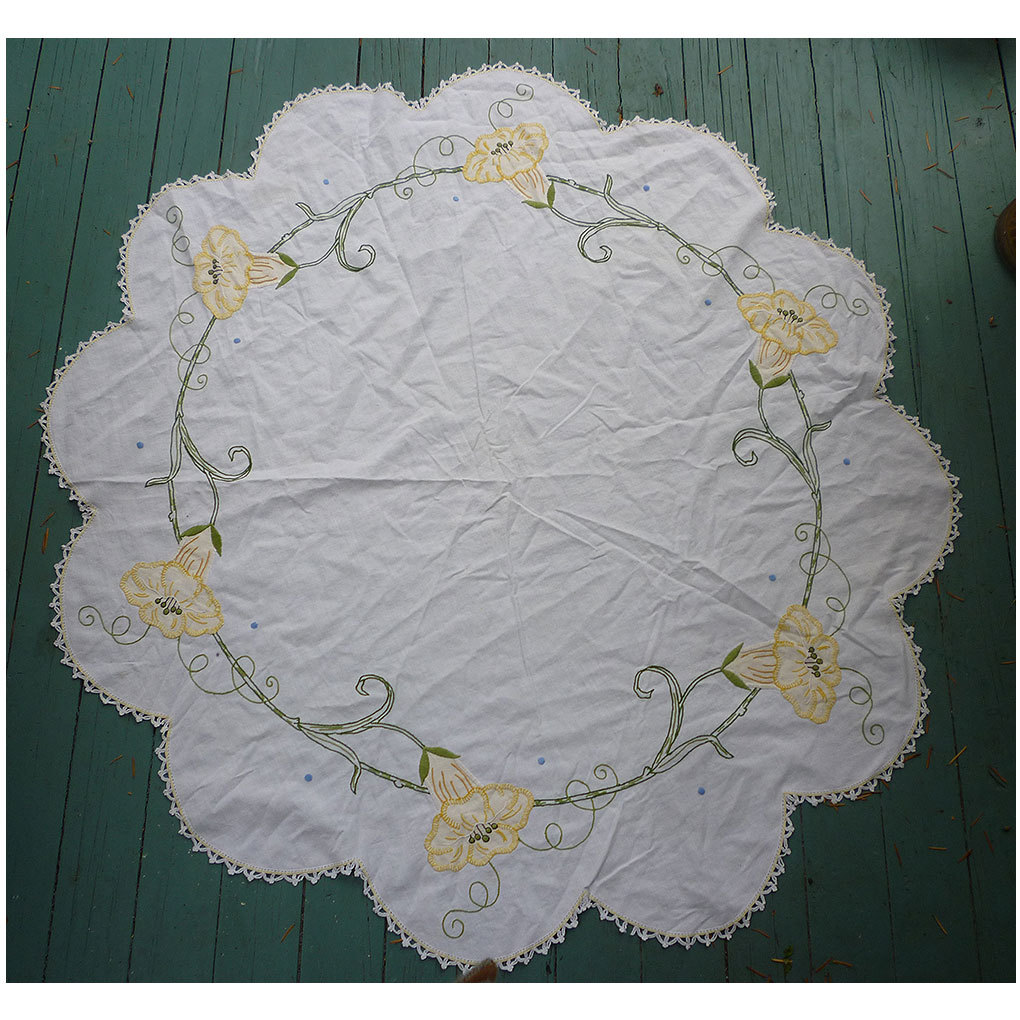 Arts & Crafts Embroidered  Yellow Angel Trumpet Flowers White Round Centerpiece