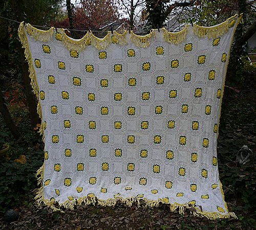 Irish Roses Yellow Green White Handmade Crochet Bedspread Queen