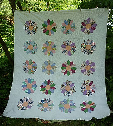 Sunflower Pattern 1930's Fabrics Quilt With Provenance