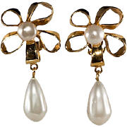 CHANEL Bow Faux Pearl Dangle Earrings 1970s