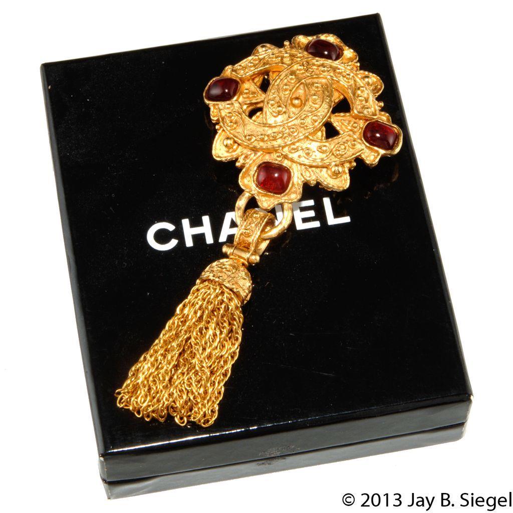 CHANEL Red Gripoix Glass CC Logo Tassel Brooch