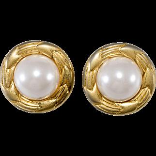 CHANEL 1970s Faux Pearl Round Earrings