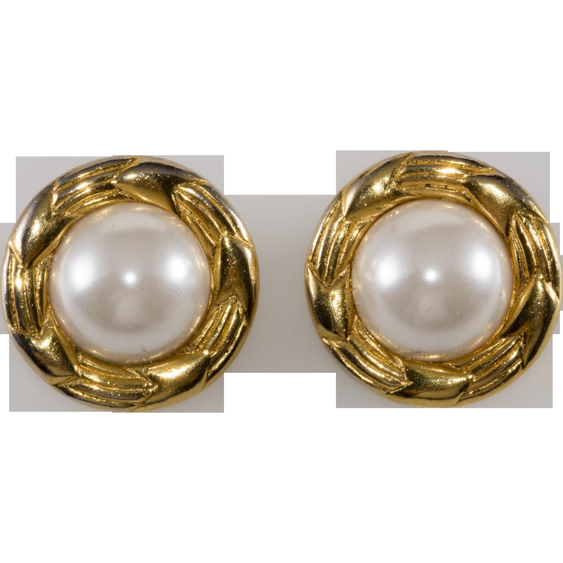 Chanel Fauxpearl 1970s Earrings