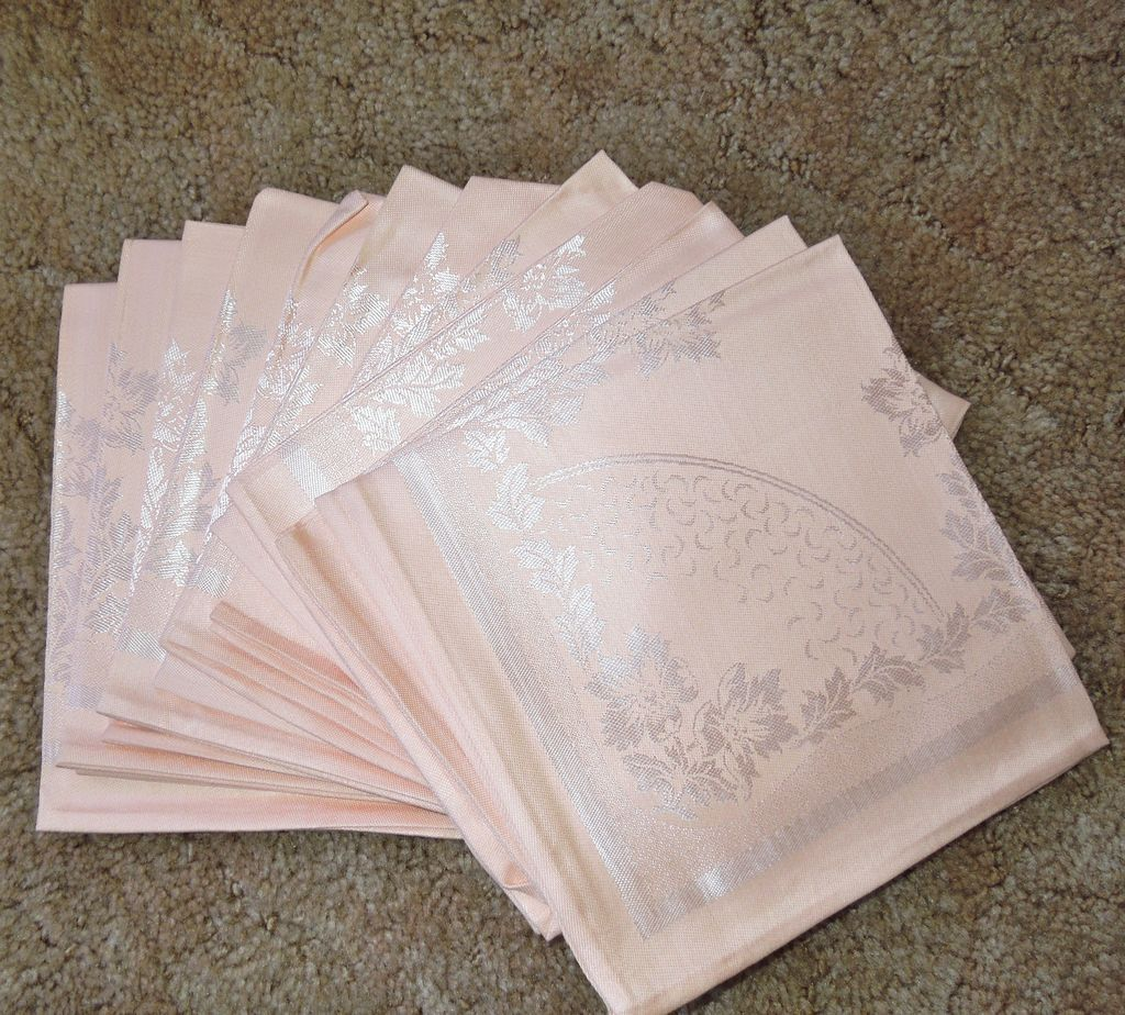 vintage peach damask banquet size tablecloth and 12 napkins sold on ruby lane. Black Bedroom Furniture Sets. Home Design Ideas