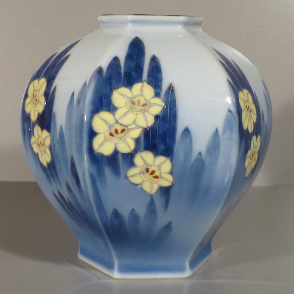Fukagawa Hexagonal Vase - Overglaze Enamel Flowers