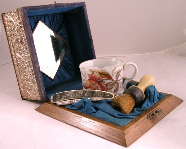 Exceptional Victorian Boxed Shaving Set