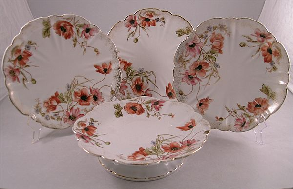 Victorian Four Piece Cake Set