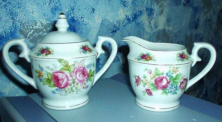 Tea  Roses set of  Creamer and Sugar