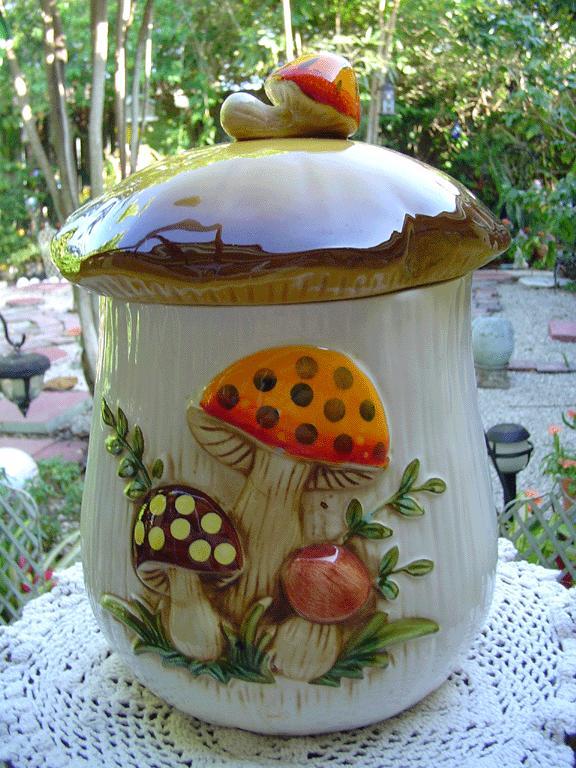 'Merry Mushroom' 1978 Sears Roebuck Canister