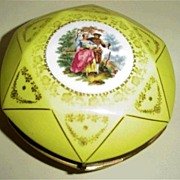 Yellow Medallion  Covered Dish