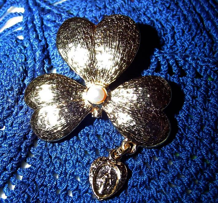 Vintage Gold Tone Shamrock Pin Miraculous Medal