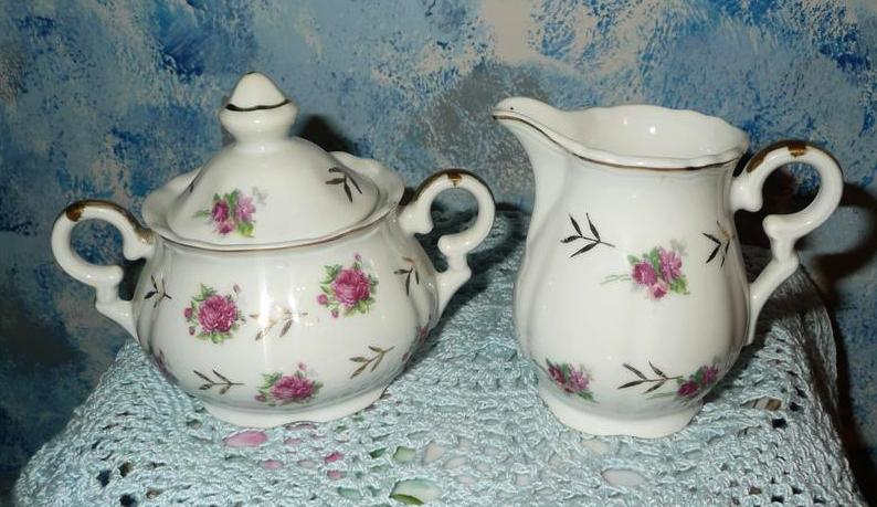 'Selecta' Set of Tea Roses  Sugar Dish  with Lid and Creamer