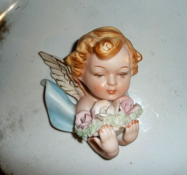 Norcrest Cherub/Angel Wall Plaque