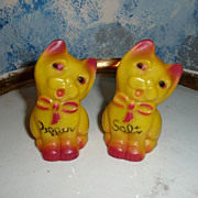 Cute Set of Salt and Pepper  Yellow Cats Celluloid Shakers