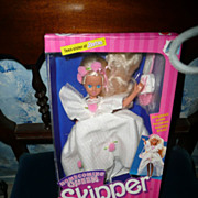 Mattel 1988 SKIPPER #33 Home coming Queen *NIB