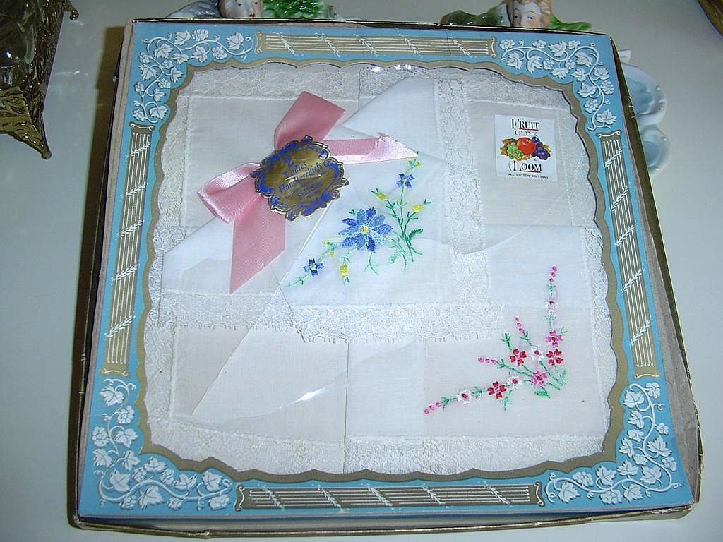 Vintage Set of Two  Flowers Ladies Handkerchiefs *New in Box
