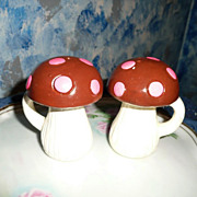 Vintage Mushrooms Salt and Pepper Shakers Set